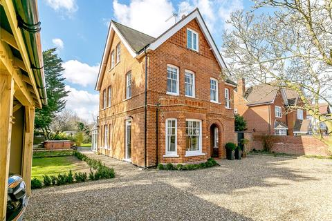 6 bedroom detached house for sale - Mounthill Avenue, Chelmsford, Essex, CM2