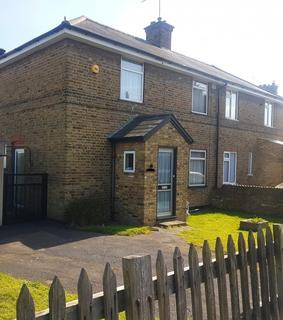 3 bedroom semi-detached house to rent - West Avenue,  Hayes, UB3