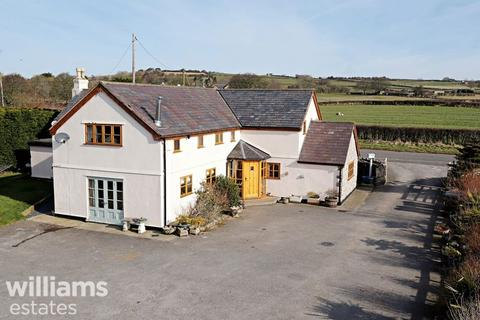 4 bedroom equestrian property for sale - Marian, Trelawnyd