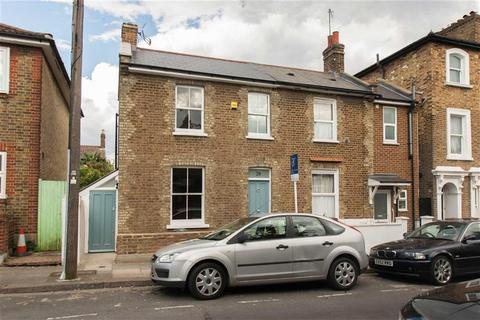 2 bedroom semi-detached house to rent - Cowper Road, London