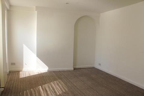 3 bedroom flat share to rent - Burleigh Court, Cavendish Place, BRIGHTON BN1