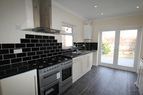 3 bedroom terraced house to rent - Pretoria Road, Southsea, Portsmouth PO4