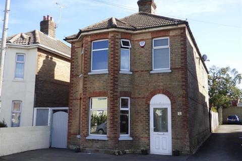 3 bedroom detached house for sale - Trafalgar Road, Winton, Bournemouth, Dorset