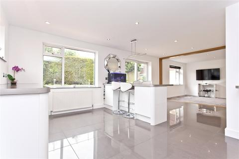 5 bedroom detached house for sale - Ribble Close, Broadstone, Poole, BH18