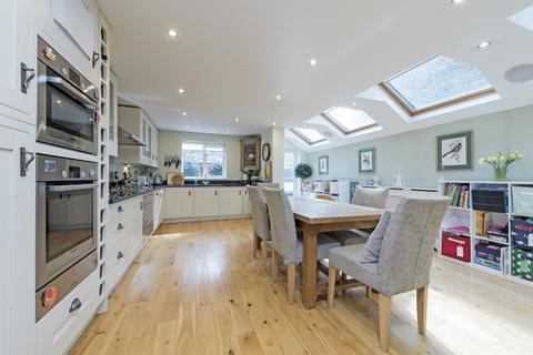 4 bedroom terraced house for sale - Burland Road, Battersea, London