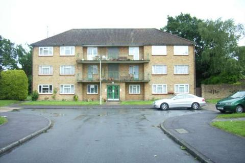 3 bedroom flat to rent - Courts Road, Earley