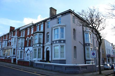 Studio to rent - Adelaide Street, Blackpool ***Move in offer first months rent half price!!!***
