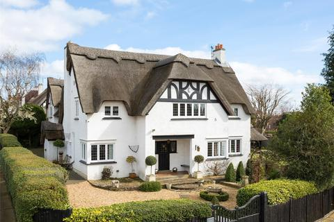 5 bedroom detached house for sale - Weston Way, Weston Favell Village, Northampton, NN3