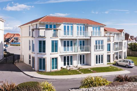 3 bedroom penthouse for sale - PENTHOUSE APARTMENT, LOCKS LODGE, LOCKS COMMON ROAD, PORTHCAWL, CF36 3DZ