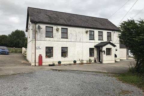 4 bedroom property with land for sale - Heol Y Parc, Cefneithin, Llanelli