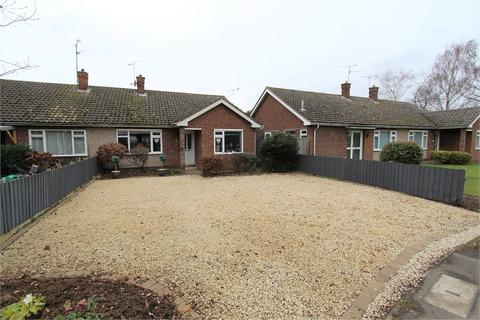 2 bedroom bungalow for sale - Lawn Lane, Chelmsford, CM1