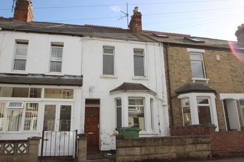 6 bedroom terraced house to rent - Howard Street, East Oxford