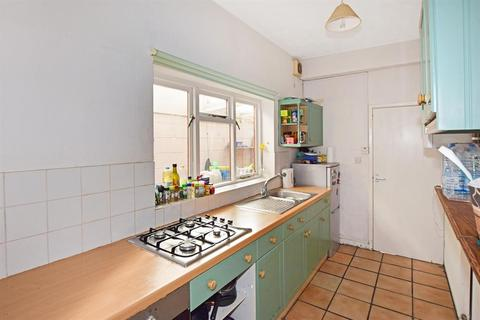 3 bedroom semi-detached house to rent - Cambridge Road, Southampton, Hampshire, SO14 6RB