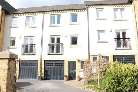 4 bedroom townhouse for sale - 21 William Court Fishergate York  YO10 4NL
