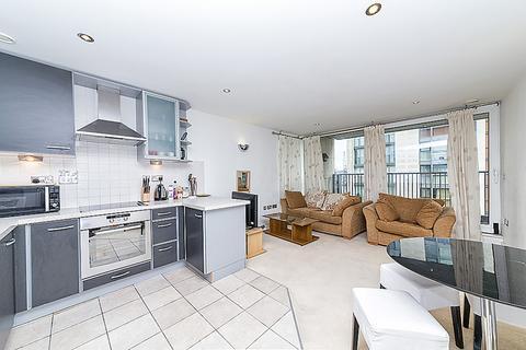 2 bedroom apartment to rent - Baltic Apartments, Royal Victoria Dock, E16