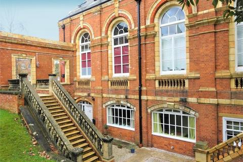 2 bedroom flat for sale - South Grange, Clyst Heath, EXETER, Devon