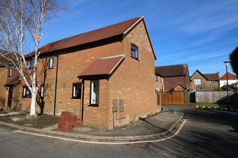 2 bedroom semi-detached house to rent - Central Princes Risborough,