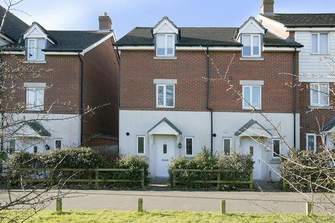 4 bedroom townhouse for sale - Whistlefish Court, Norwich