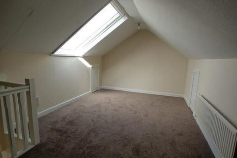 3 bedroom flat to rent - Alderwood Road, West Cross, Swansea, SA3