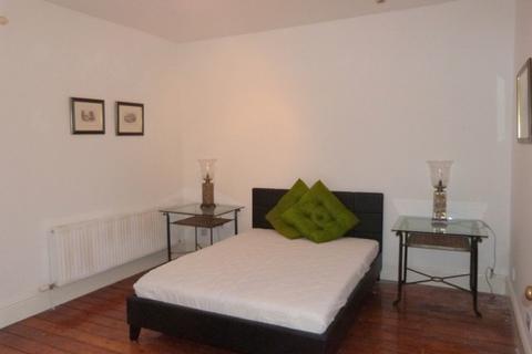 1 bedroom house share to rent - Wellington Street, Cheltenham