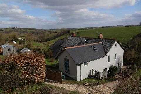 3 bedroom semi-detached house for sale - East Street, Chulmleigh, Devon, EX18