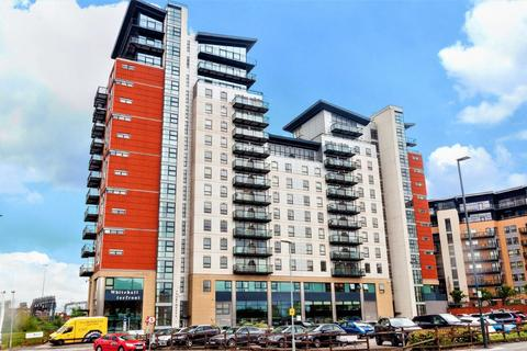 2 bedroom apartment to rent - Whitehall Waterfront, 2 Riverside Way