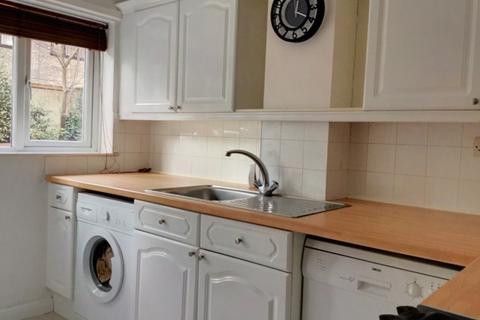 2 bedroom maisonette to rent - Pound Green Court, 31 Parkhill Road, London DA5