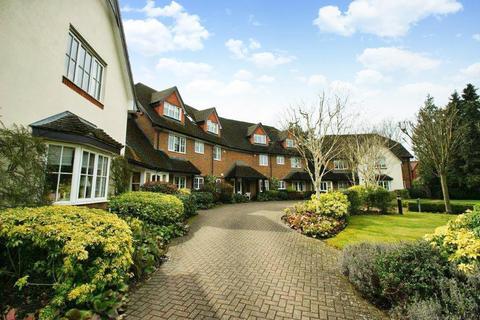 2 bedroom flat to rent - Candlemas Oaks, Beaconsfield, HP9