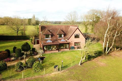 5 bedroom detached house for sale - Lands End Lane, Twyford.