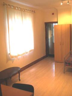 Studio to rent - F2 94, Claude Road, Roath , Cardiff, South Wales, CF24 3QD