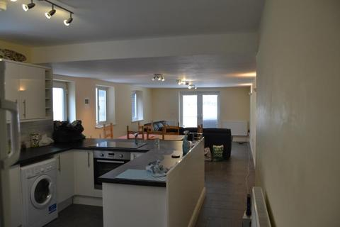 9 bedroom flat to rent - 52, Colum Road, Cathays, Cardiff, South Wales, CF10 3EH