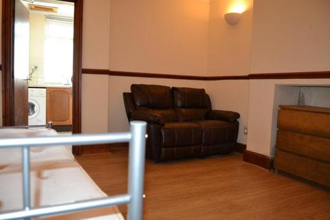 Studio to rent - F2 37, Woodville, Cathays, Cardiff, South Wales, CF24 4DW