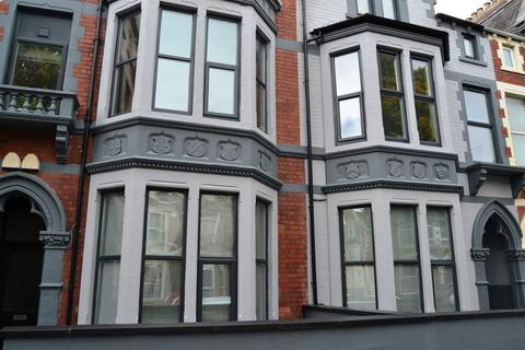 2 bedroom flat to rent - F2 60, Connaught Road, Roath , Cardiff, South Wales, CF24 3PW