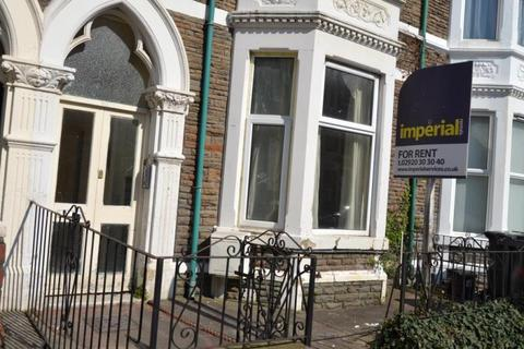 4 bedroom flat share to rent - R1 F1 20, Connaught Road, Roath, Cardiff, South Wales, CF24