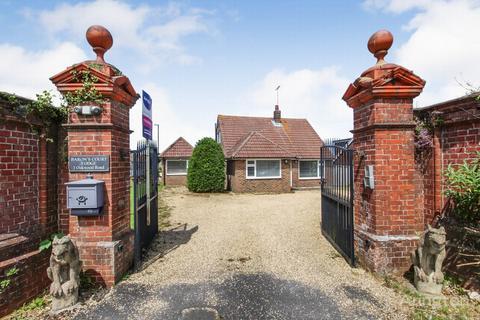 4 bedroom house to rent - Oakwood Road, Burgess Hill, RH15