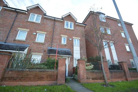 4 bedroom house to rent - Chorlton Road, Manchester
