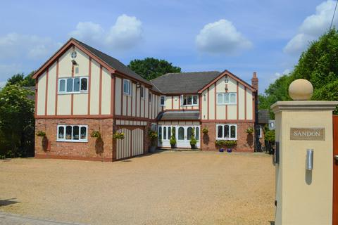 6 bedroom detached house to rent - Shay Avenue, Hale Barns, Altrincham