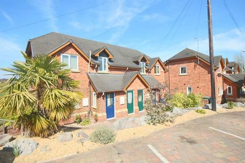 1 bedroom apartment to rent - Crown Meadow Court, Stone