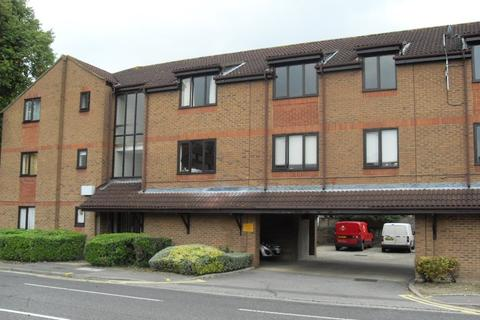 1 bedroom flat to rent - Linden Place, Staines
