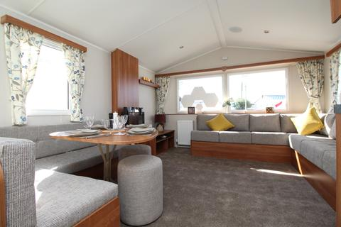 2 bedroom mobile home for sale - The Willerby 'Caledonia' at Solent Breezes, Warsash