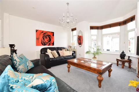 2 bedroom flat for sale - Laburnum Grove, Portsmouth, Hampshire