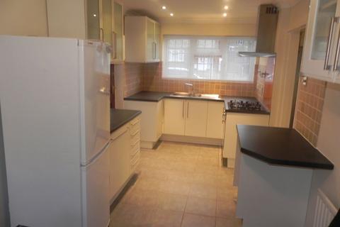 4 bedroom semi-detached house to rent - Dunmore, Guildford GU2 8JX