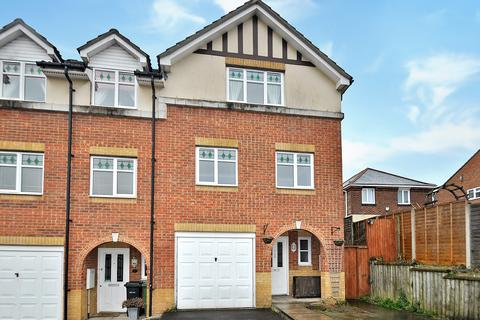 3 bedroom townhouse to rent - Eden Road, West End, Southampton SO18 3QX