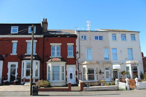 2 bedroom flat to rent - High Street, Blackpool