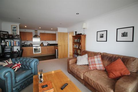 2 bedroom apartment to rent - Capstan House, Ipswich Marina