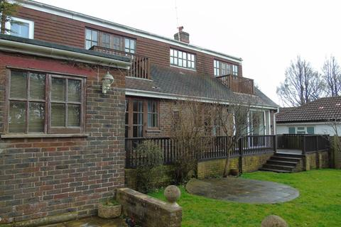 4 bedroom house to rent - The Droveway, Hove,
