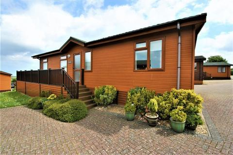 2 bedroom lodge for sale - 2 Bedroomed Luxury Lodge, Meadow View, Ilfracombe, Devon