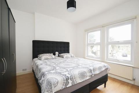 2 bedroom apartment to rent - Blackshaw Road, London
