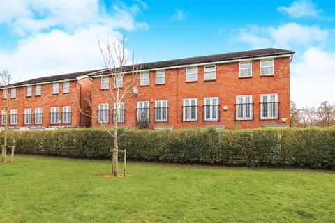 4 bedroom townhouse for sale - Trent Bridge Close, Trentham, Stoke-On-Trent, Staffs
