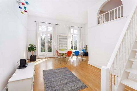 1 bedroom flat to rent - Elizabeth Mews, Belsize Park, London